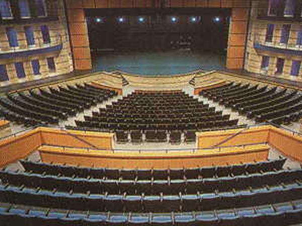 Auditorium9b.jpg